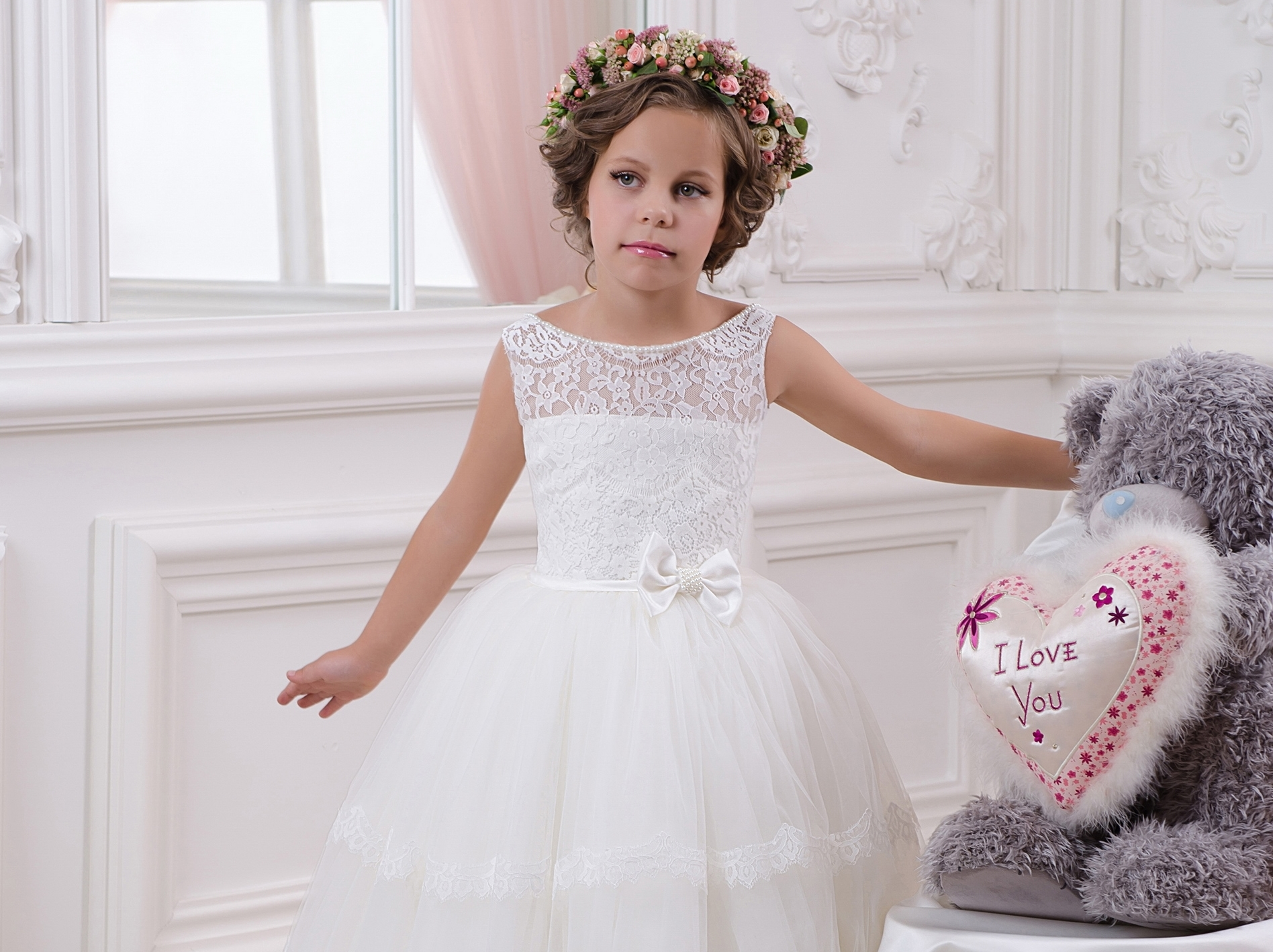 53e587ea2f3 How to choose the best child s dress for children event