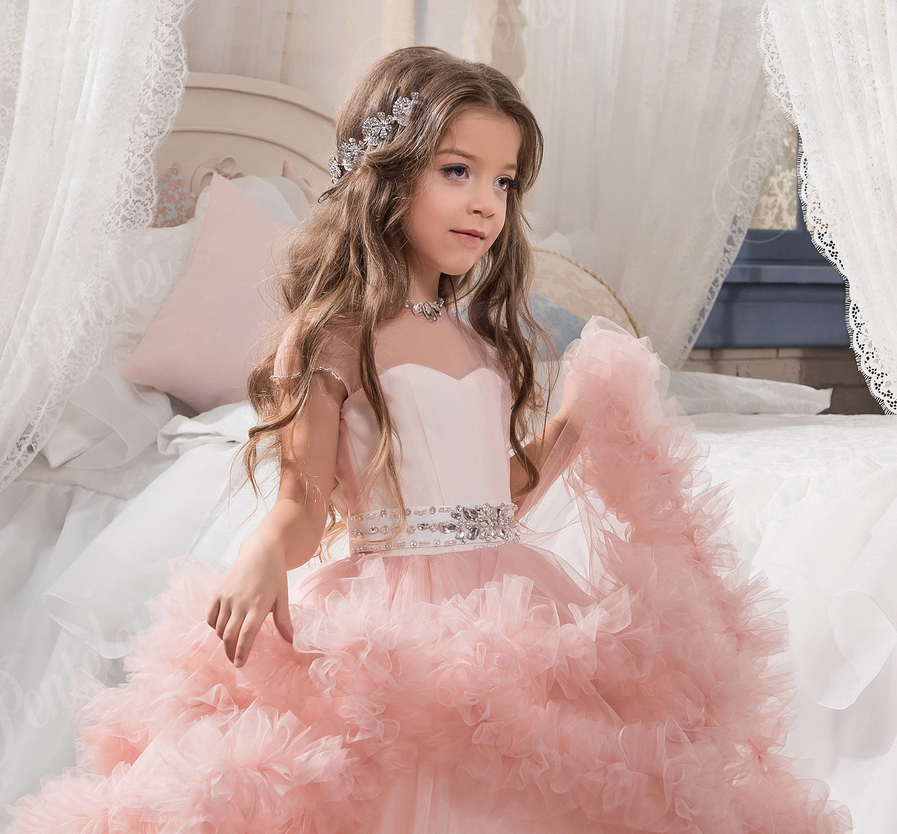Весільне дитяче плаття  звертаємо увагу на деталі edb7610e48bf7