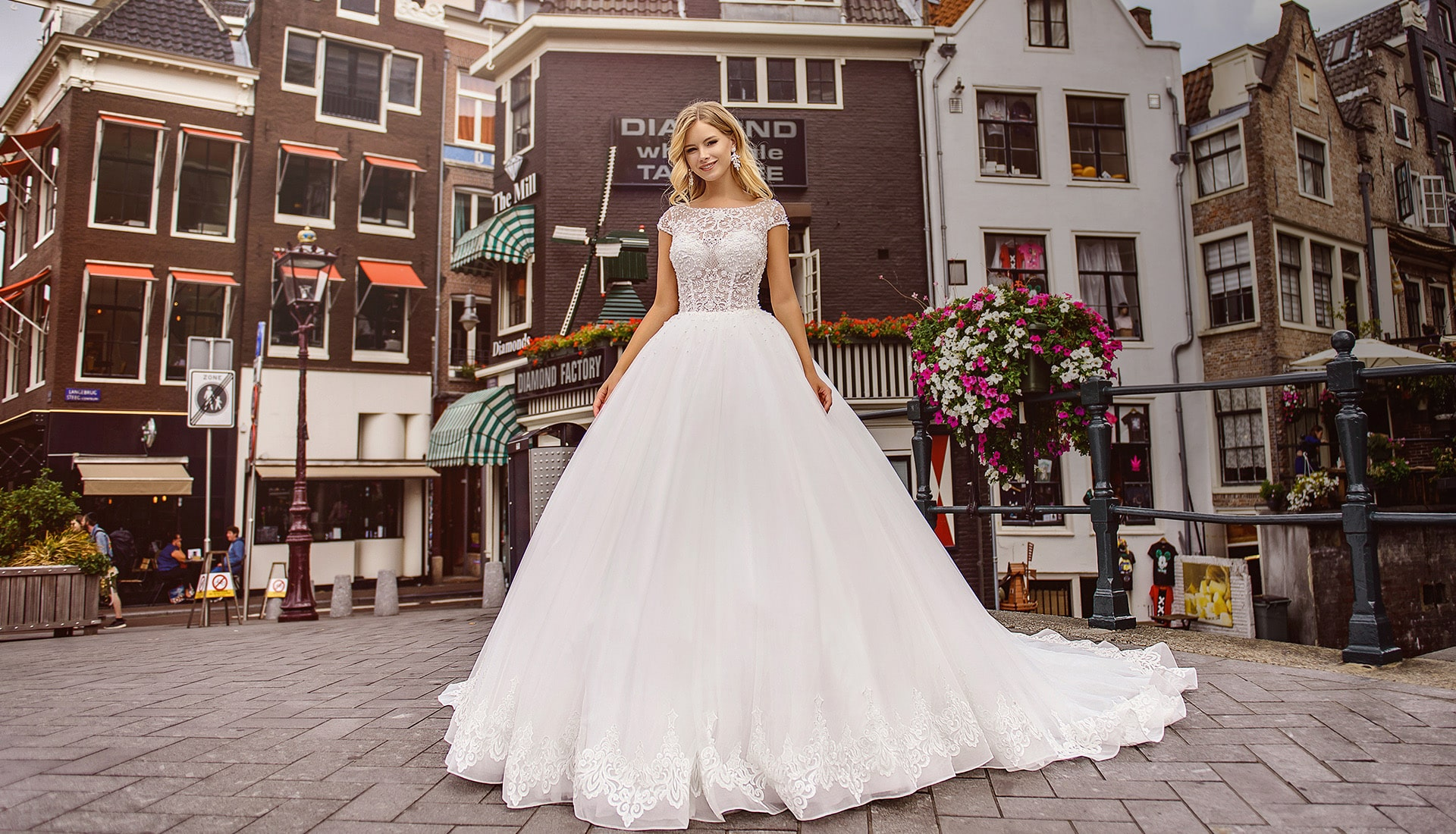 Pentelei Buy Wedding Dresses Wholesale From The Manufacturer In