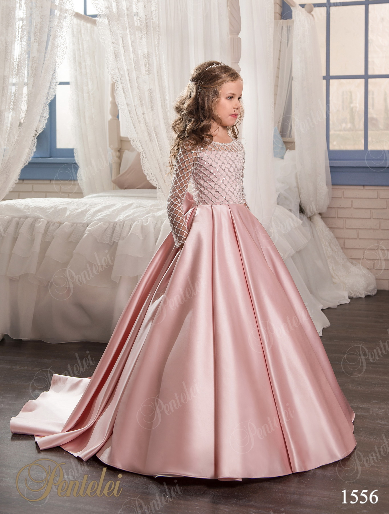 f6db538b3fe458 1556 | Buy children's dresses wholesale from Pentelei