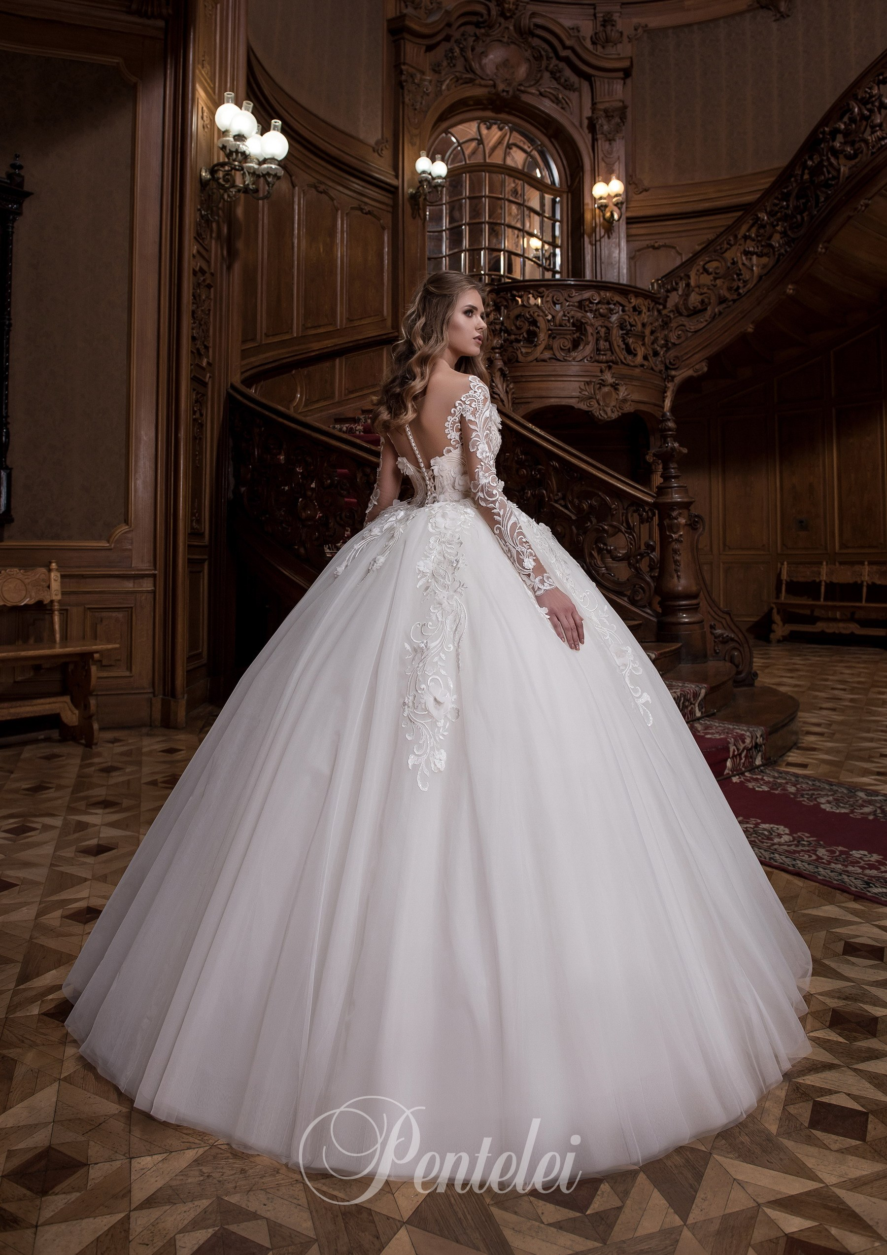1710 | Buy wedding dresses wholesale from Pentelei