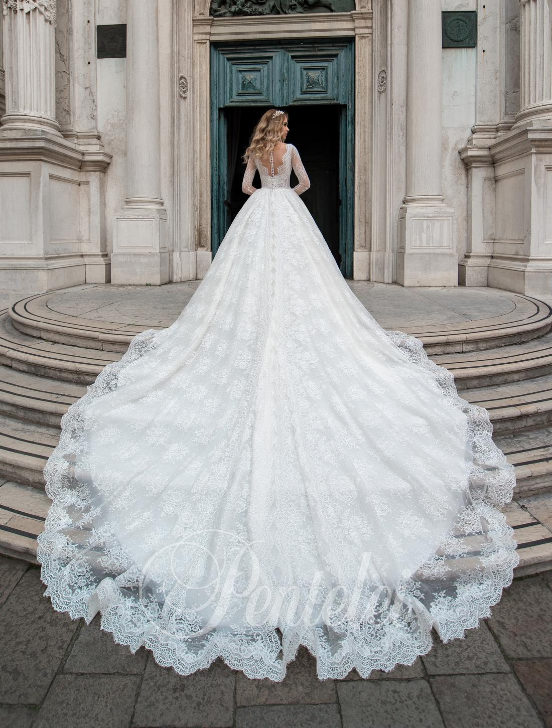 2dbbb71b085aa38 пышное свадебное платье со шлейфом собор оптом