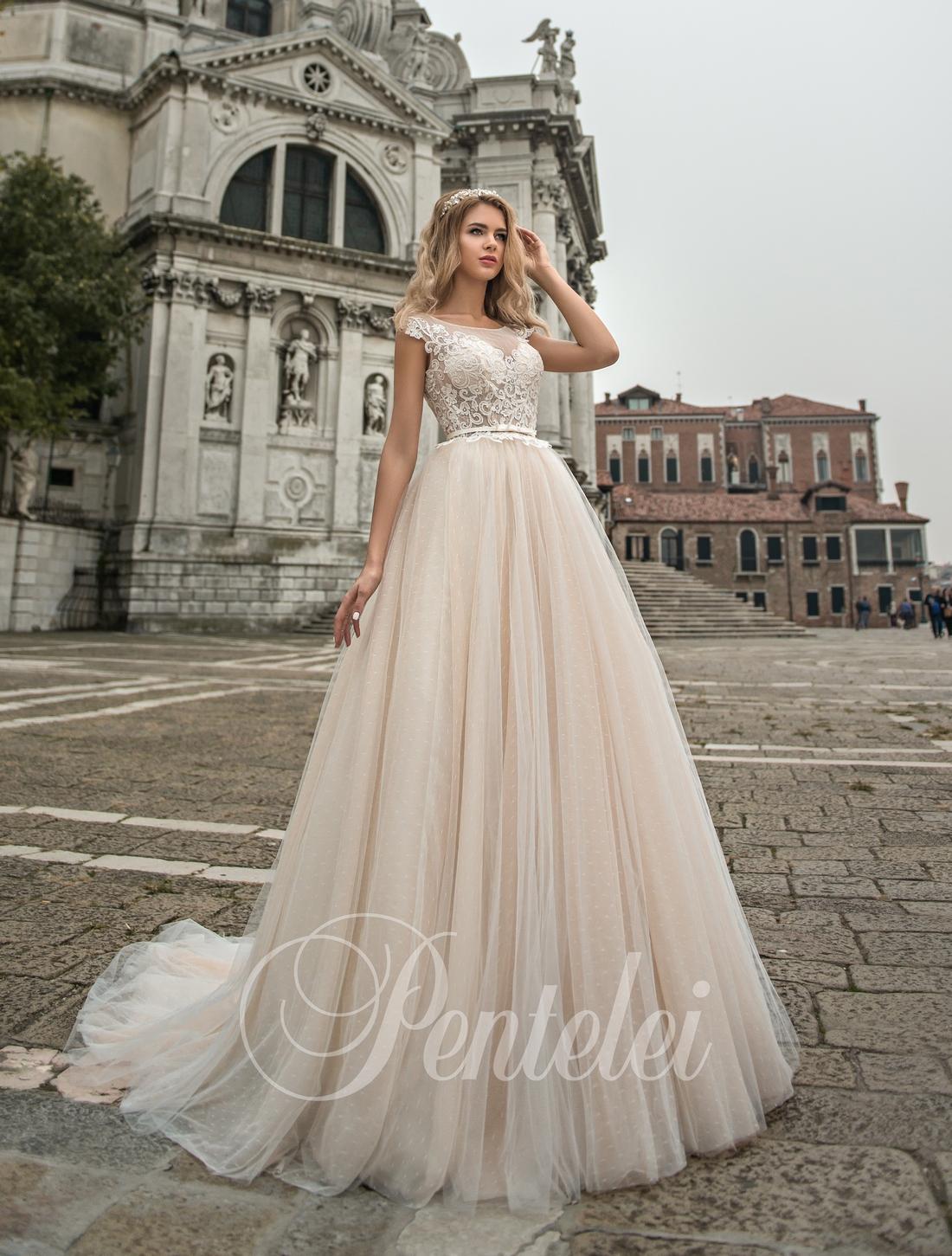 Свадебное платье айвори с кружевом от Pentelei оптом