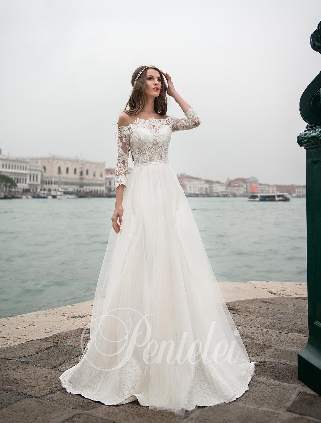Свадебное платье с кружевом и рукавами 3/4 оптом от Pentelei