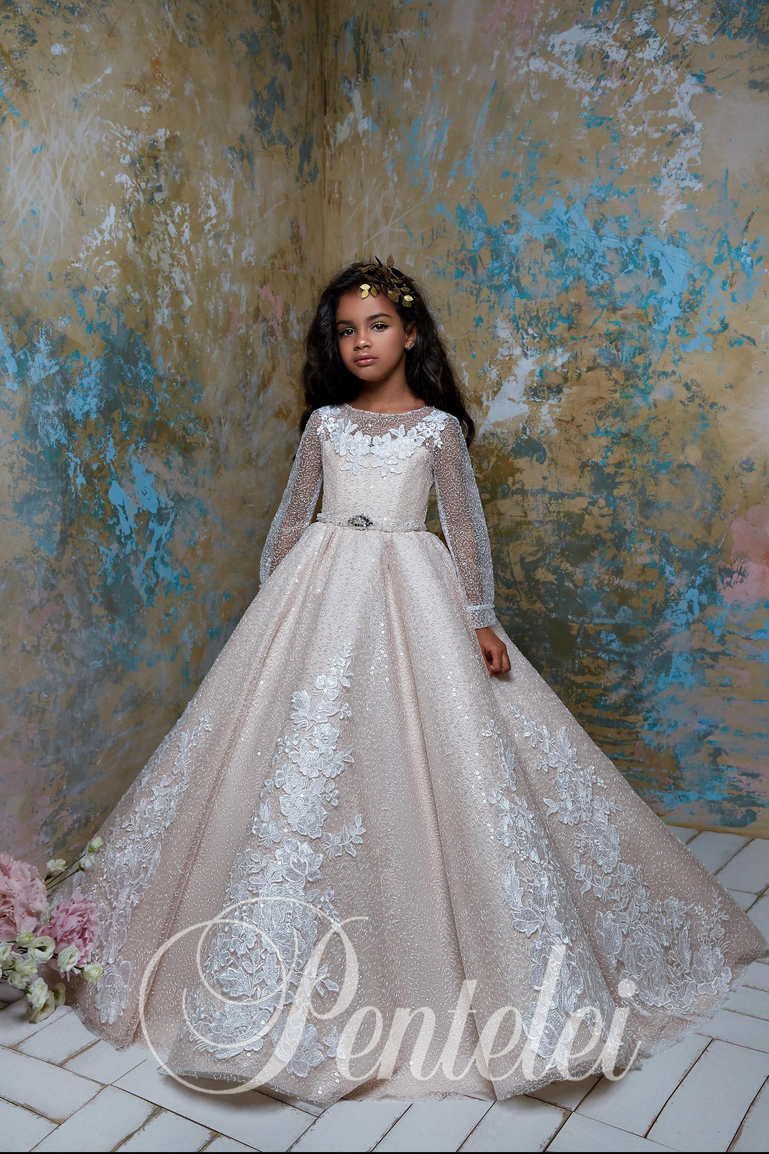 Детское платье с длинными рукавами