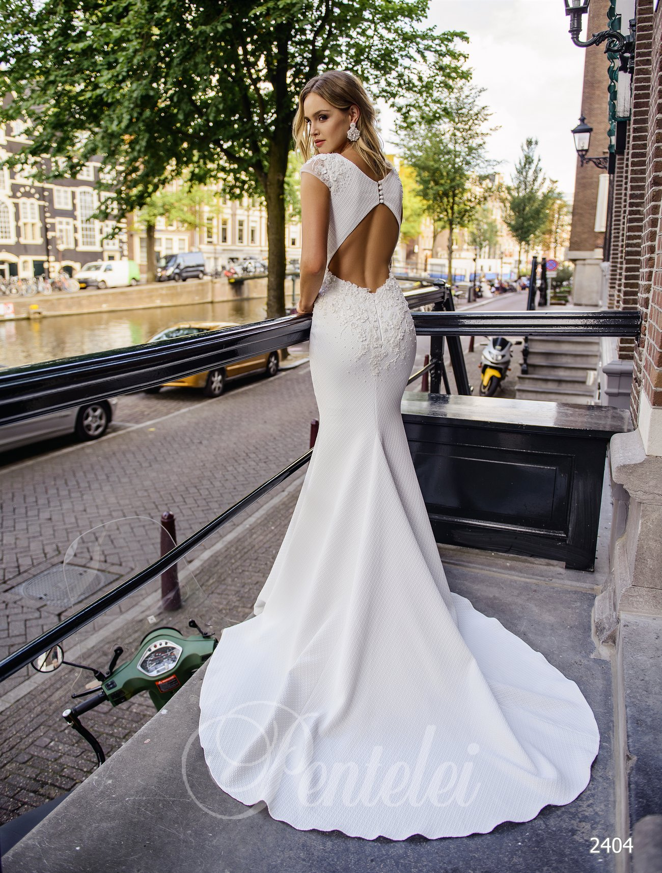 Elegant wedding dress mermaid | Buy wedding dresses wholesale from Pentelei