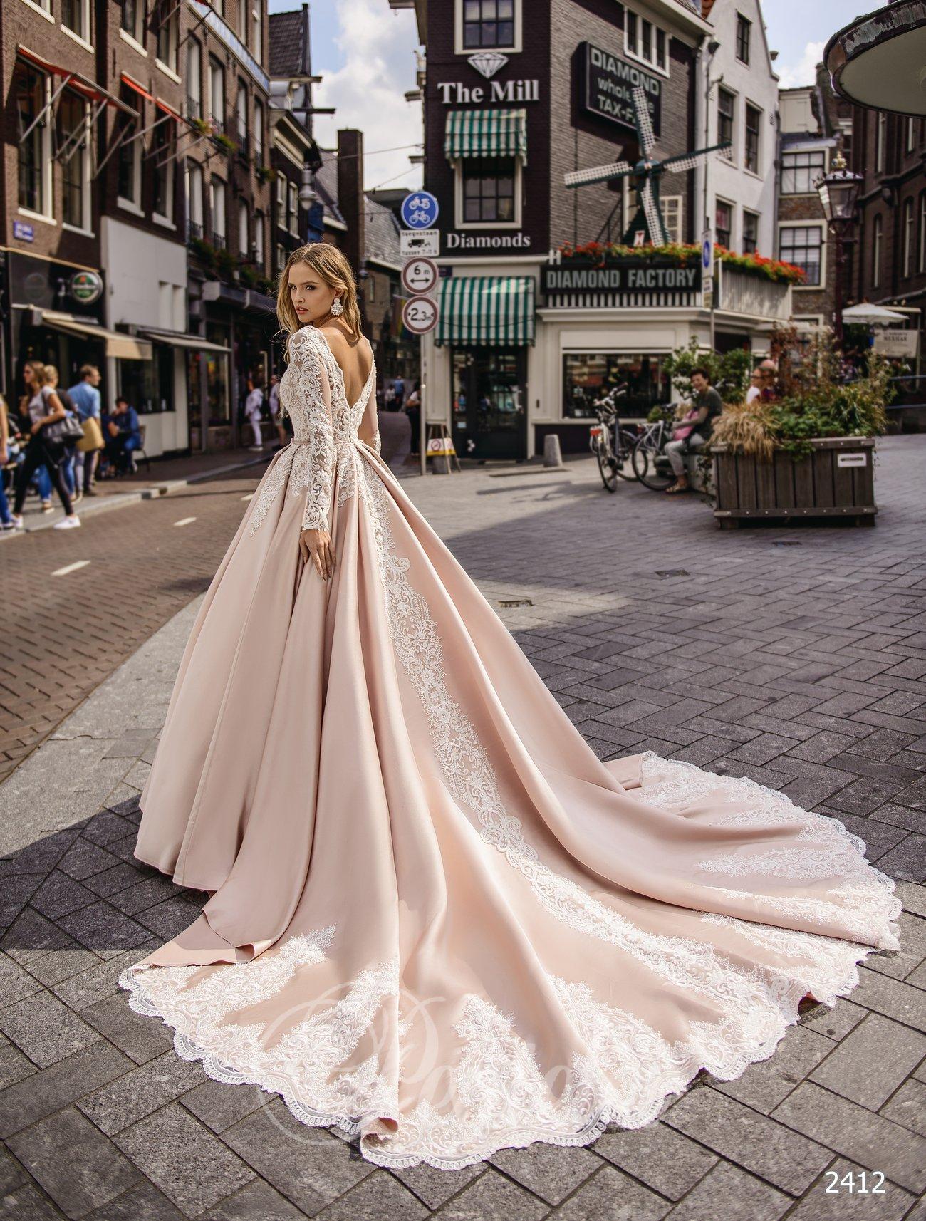 красивые свадебные платья со шлейфом оптом