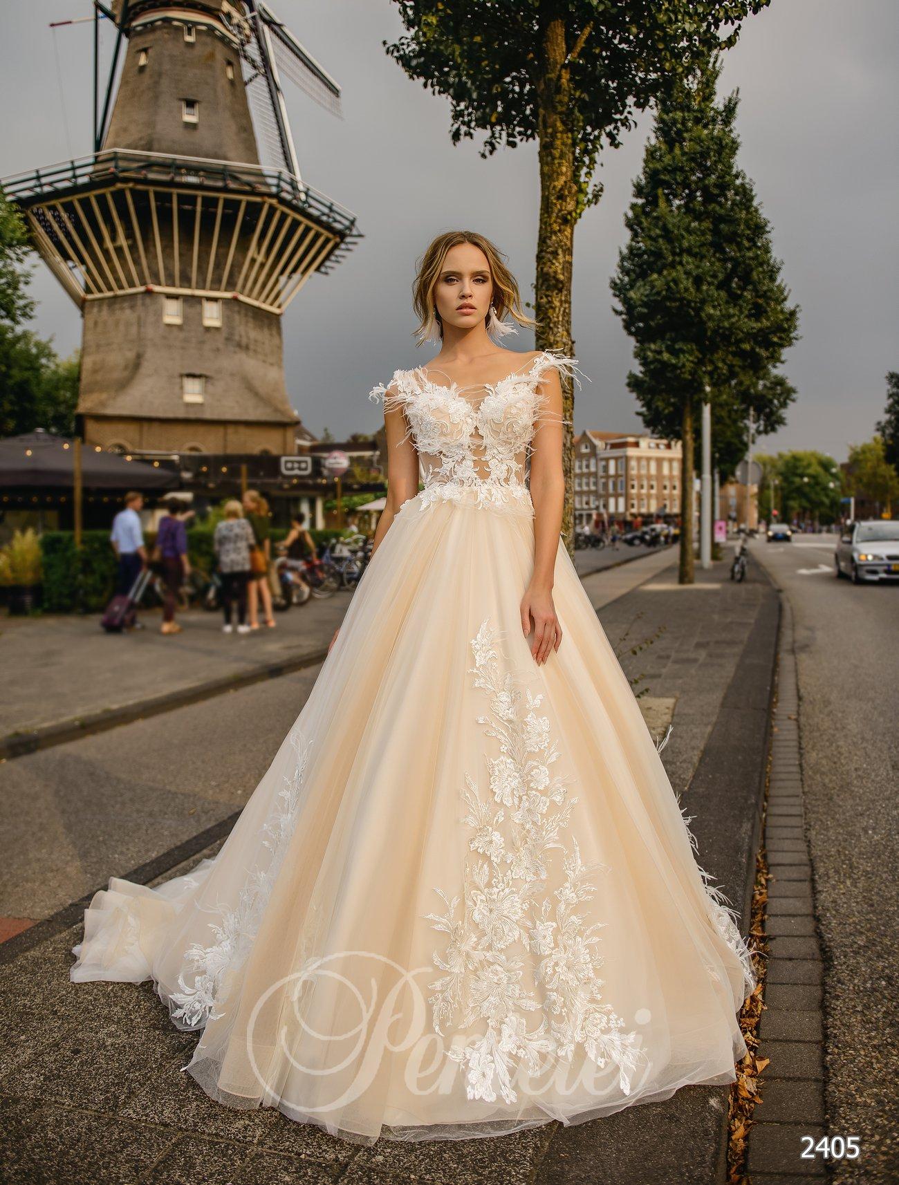 Свадебное платье айвори с перьями