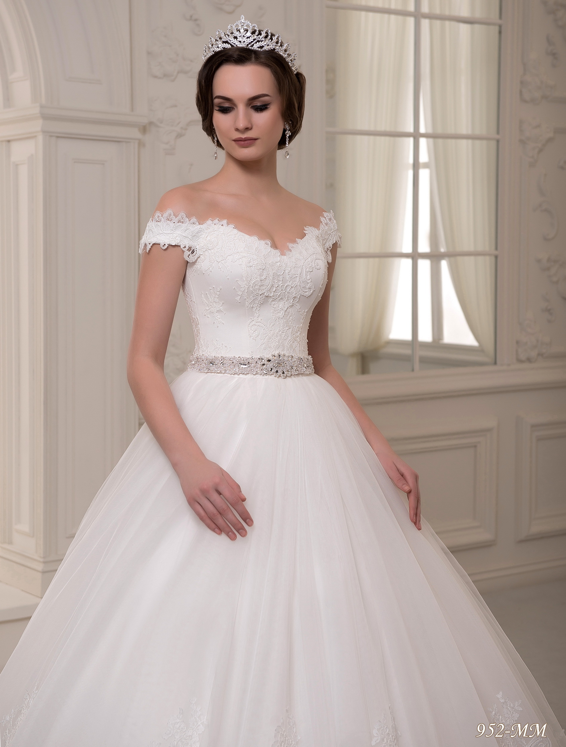 952-MM | Buy wedding dresses wholesale from Pentelei
