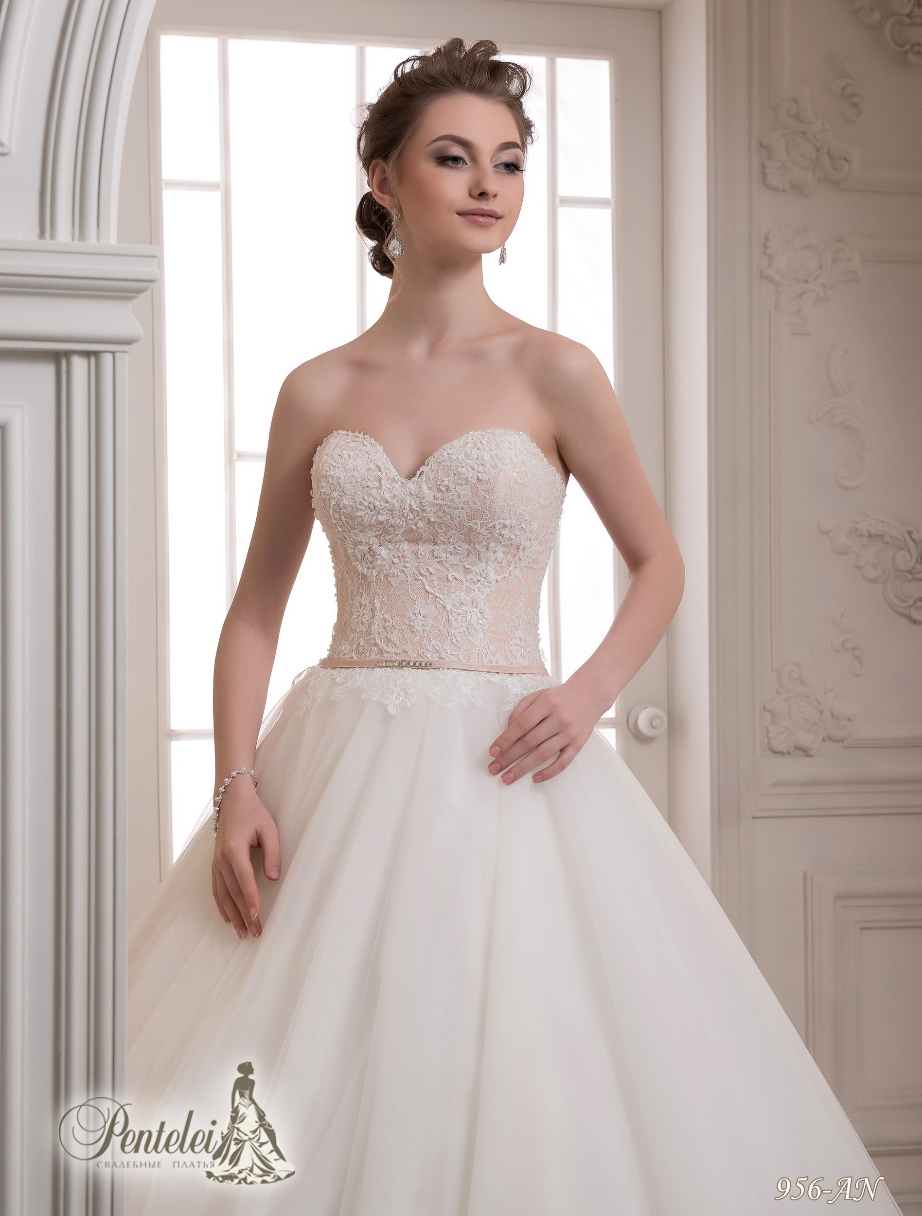 956-AN | Buy wedding dresses wholesale from Pentelei
