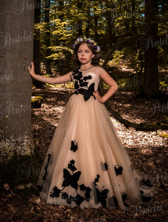 "Children's voluminous dress ""cappuccino"" with three-dimensional butterflies from Pantelei"