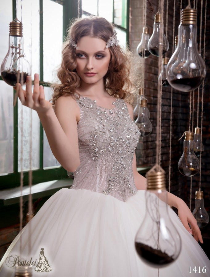 1416 | Buy wedding dresses wholesale from Pentelei