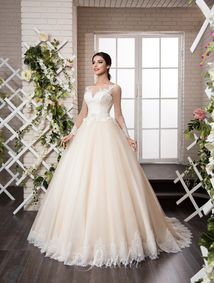 1802 | Buy wedding dresses wholesale from Pentelei