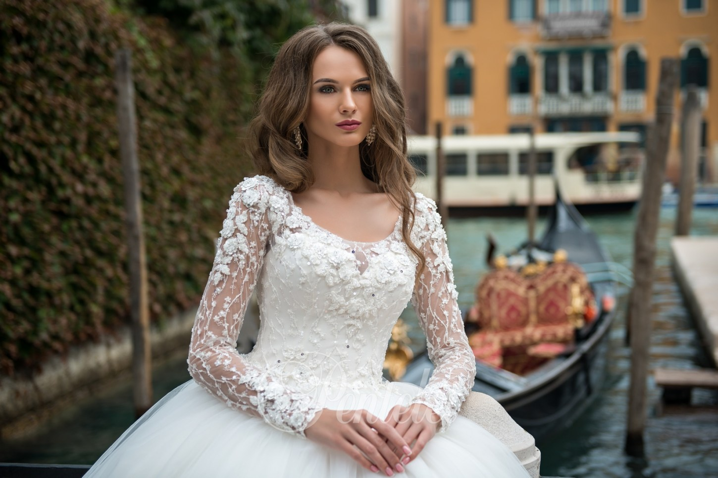 2201 | Buy wedding dresses wholesale from Pentelei