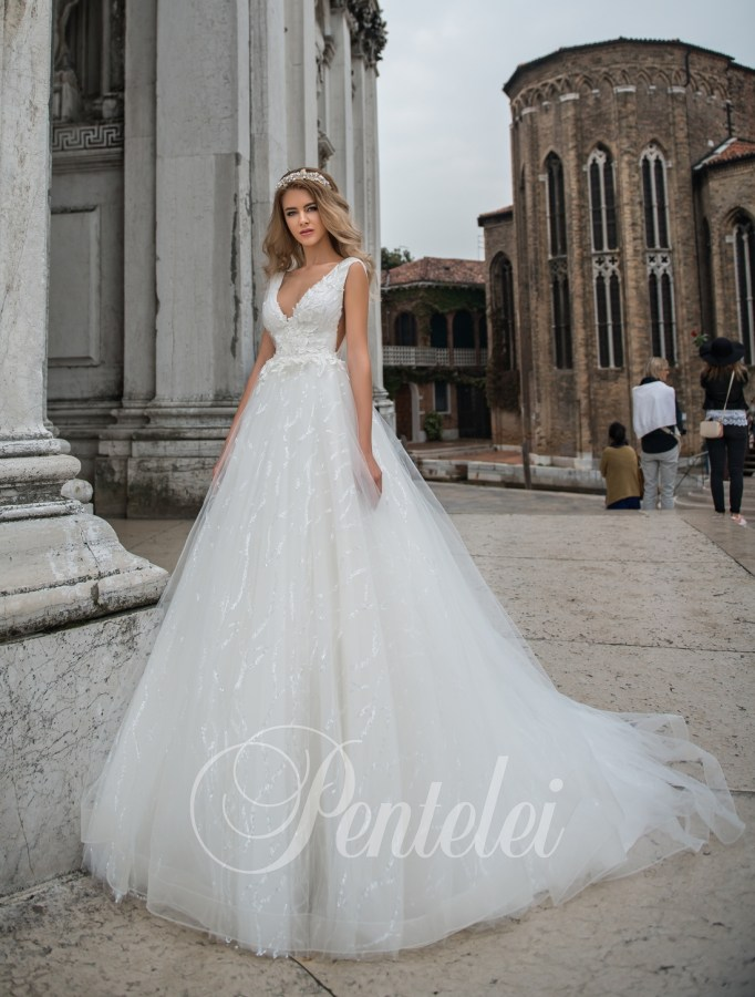 2206 | Buy wedding dresses wholesale from Pentelei