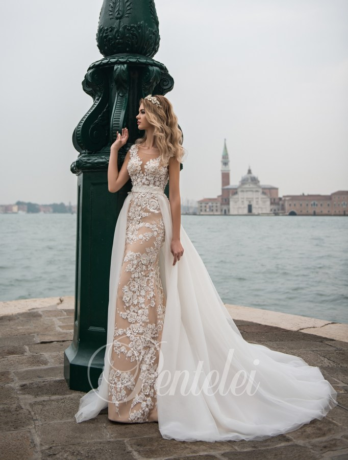 Embroidered wedding dress on wholesale