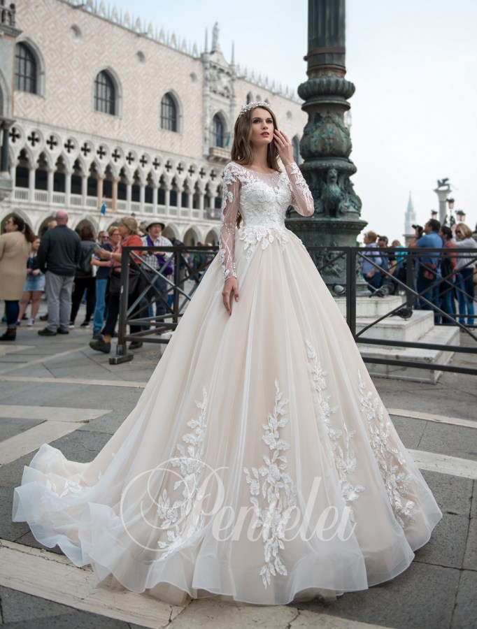 2209 | Buy wedding dresses wholesale from Pentelei
