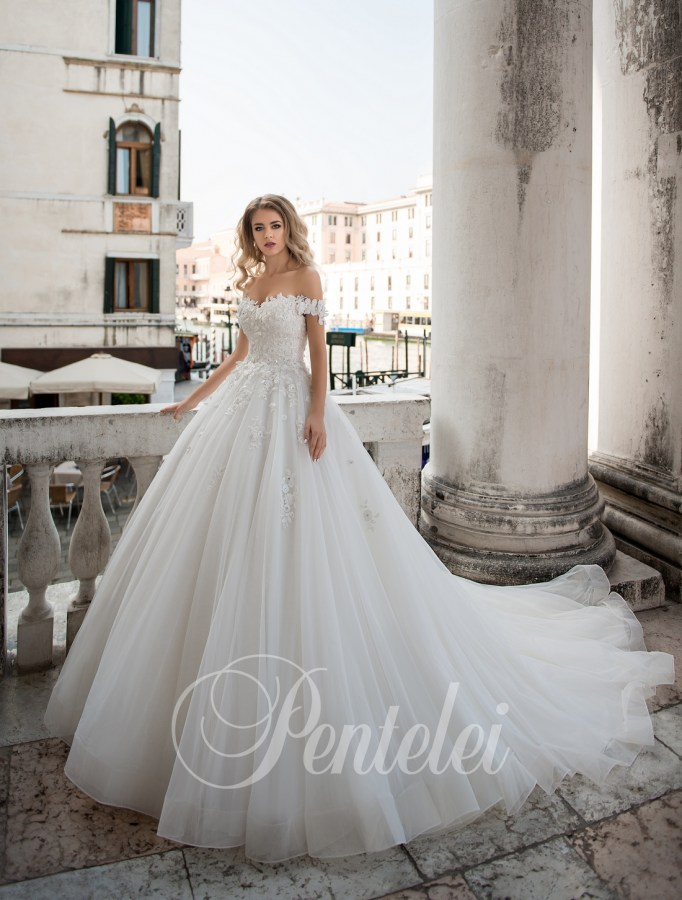 2211 | Buy wedding dresses wholesale from Pentelei