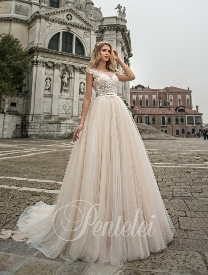2212 | Buy wedding dresses wholesale from Pentelei