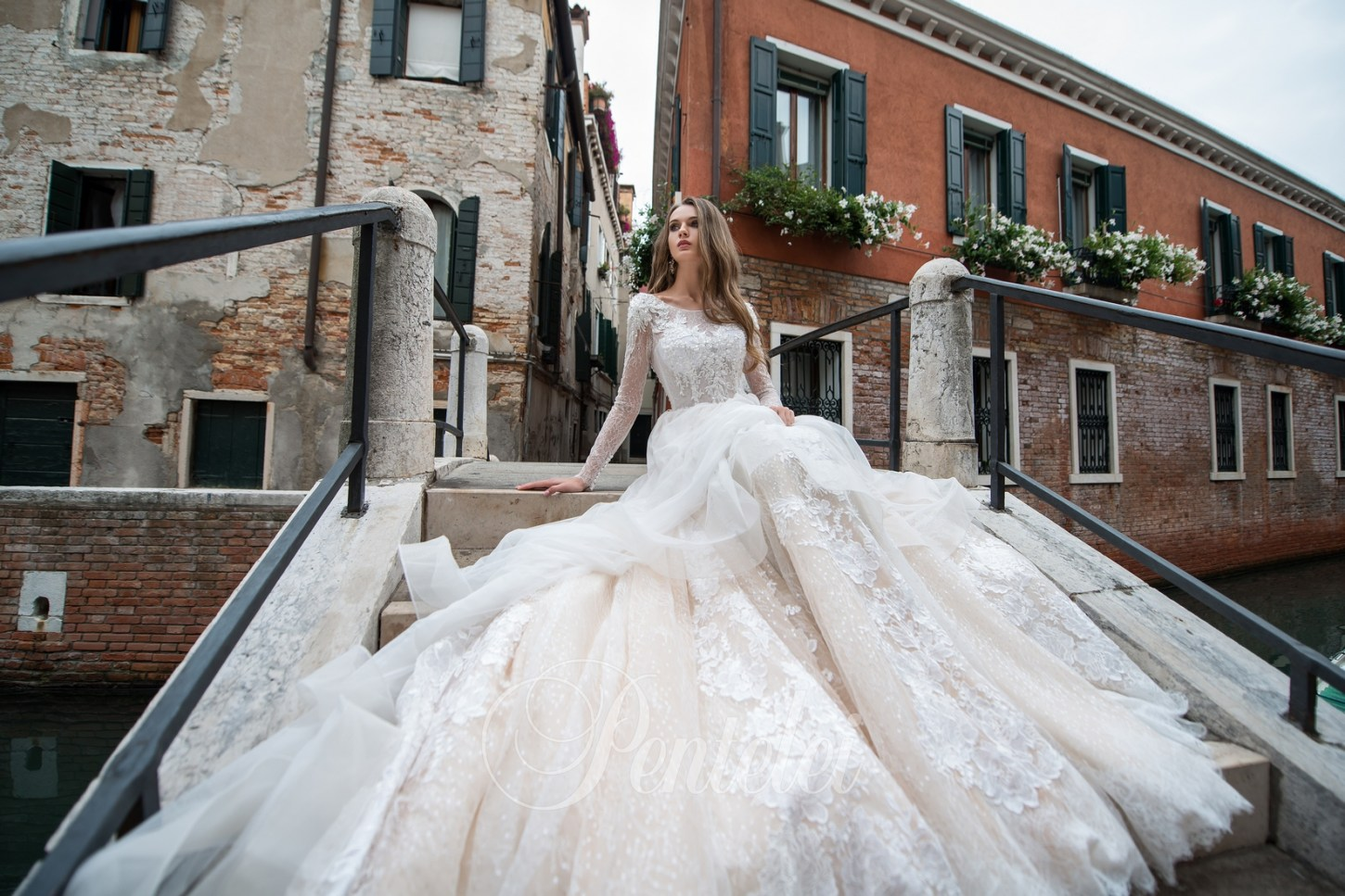 2213 | Buy wedding dresses wholesale from Pentelei