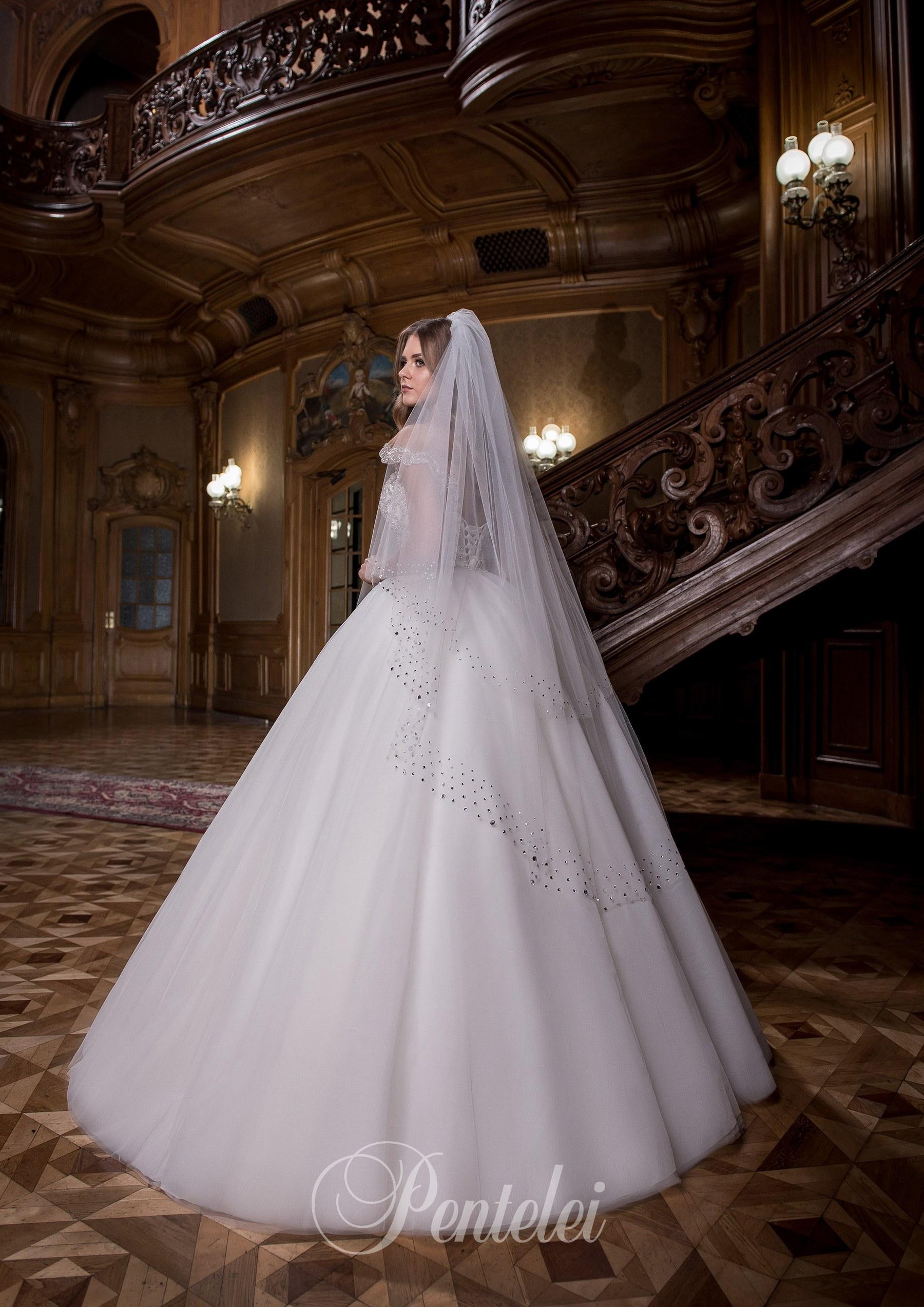 1712 | Buy wedding dresses wholesale from Pentelei