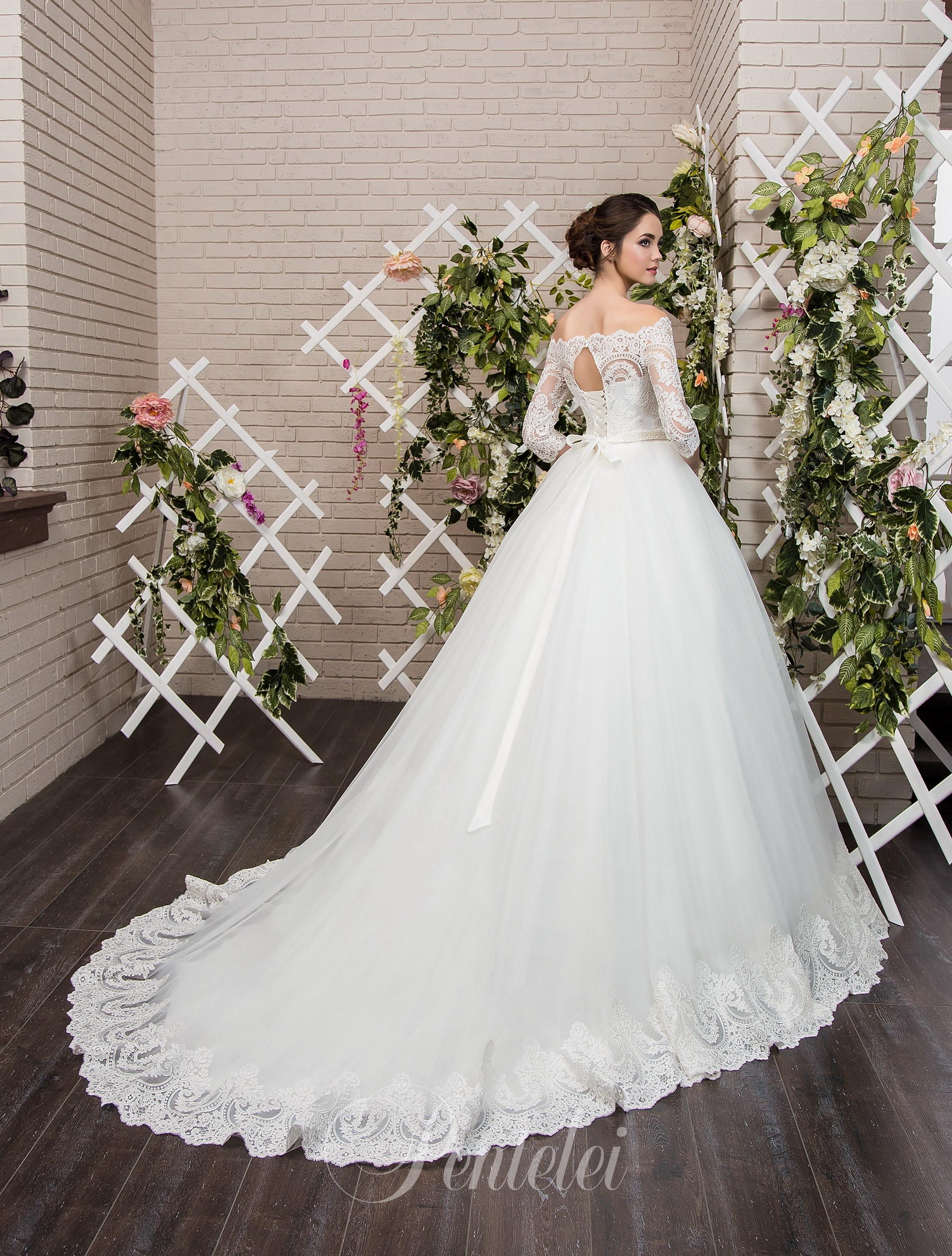 1805 | Buy wedding dresses wholesale from Pentelei