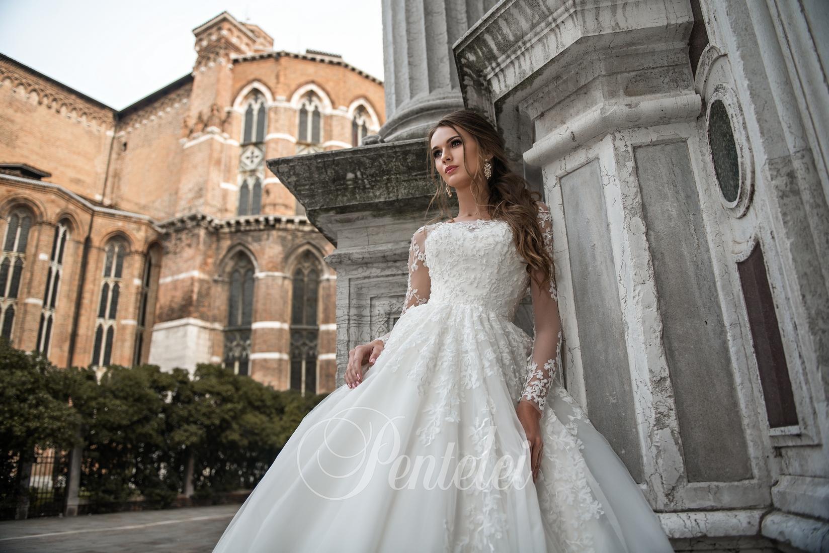 Закриті весільні сукні  різноманіття моделей b5445ae6164a0